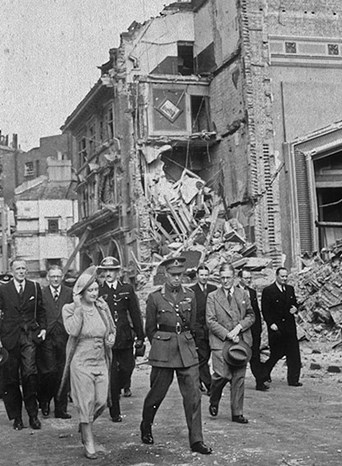 Madame Tussauds is struck by a German World War II bomb destroying 352 head moulds, and the cinema